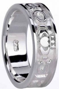 """Ladies Silver """"Love Forever"""" Claddagh Ring"""