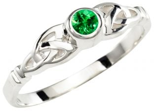 Ladies Emerald Silver Claddagh Ring